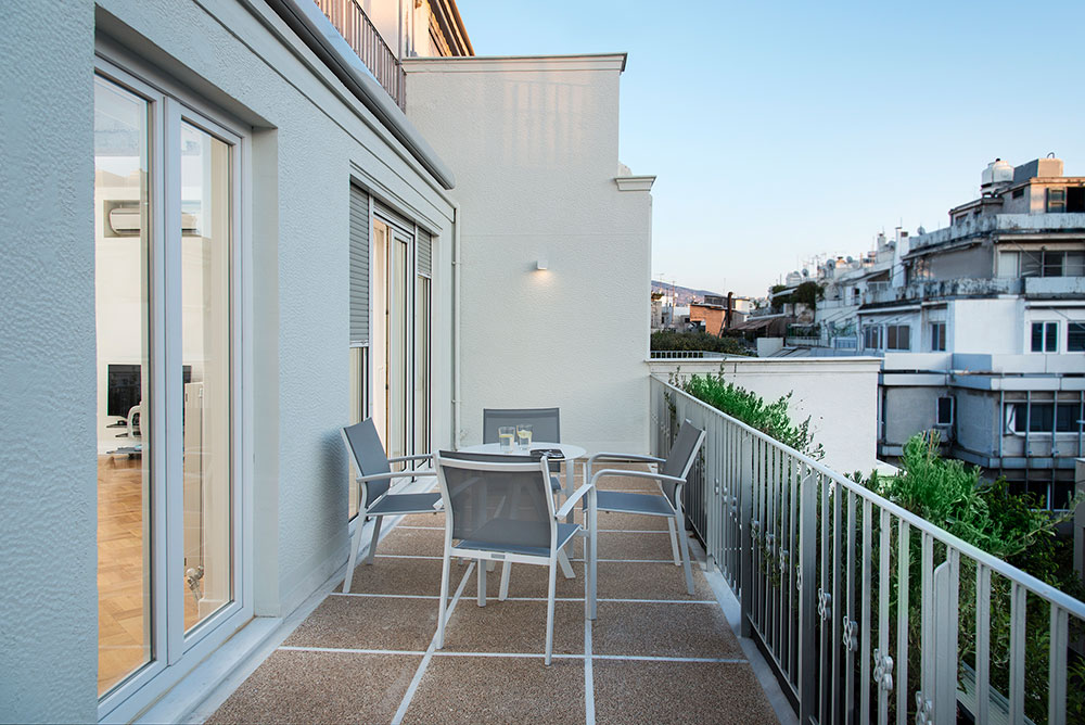 loft balcony Voukourestiou 25